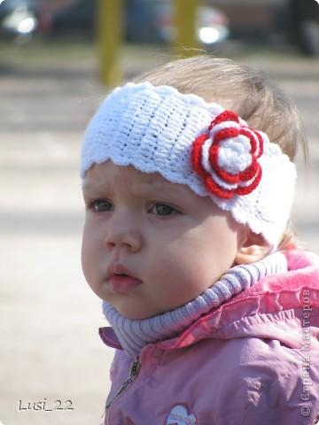 Вот таких шапочек и повязочек навязала своей дочурке. Предлагаю вашему просмотру. Может и вам что-нибудь приглянётся. фото 16