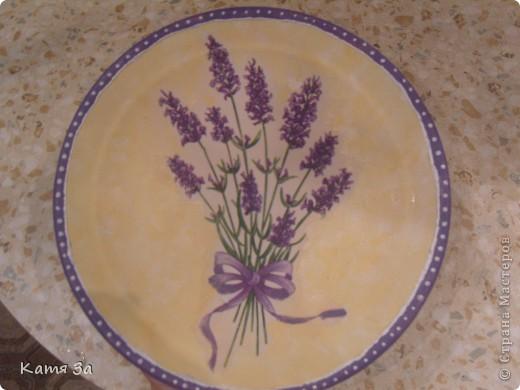 Это моя первая тарелочка! Сегодня у меня декупужный день! :))) Для досочек сделала тарелочку! Тарелочка была бежевого цвета - подошла идеально! фото 3