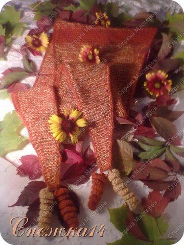 Осень всегда прекрасна изобилием ярких красок.... Уходит бабье лето, а вместе с ним и последние теплые деньки. До наступления холодов я успела связать новую обновку. Ни разу не вязала шарф-бактус, захотелось попробовать. Спасибо огромное Ирине (Голубка) за игру и вдохновение!      фото 1