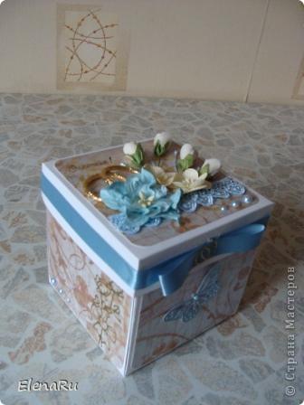 Сына пригласил на свадьбу одноклассник. Пока делала эту коробочку несколько раз слезы наворачивались - помню его маленьким, забавным, глазастым и беззубым, а вот ведь - ЖЕНИХ!!! фото 1