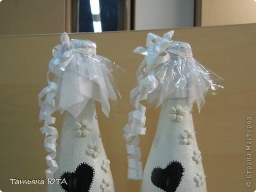 Показываю свои первые свадебные бутылки для того, чтобы Вы, дорогие мастера и мастерицы не повторяли моих ошибок. Сразу скажу, что в целом получилось очень даже нормально для первого раза, заказчица была в восторге, а это самое главное))) фото 2