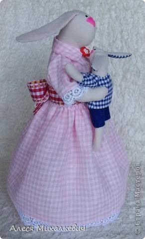 Здравствуйте, мои хорошие!!!  Если вы думаете, что я пропала...нет, я не пропала.........я творю.....Вот наконец-то пошилась у меня интерьерная игрушка Радость Материнства. Очень скоро я подарю её одной замечательной девушке, которая не так давно стала мамой!!! мне кажется эта игрушка несёт в себе тепло и любовь!!!!!!! Безумно она мне нравится и всем советую её пошить........ фото 5