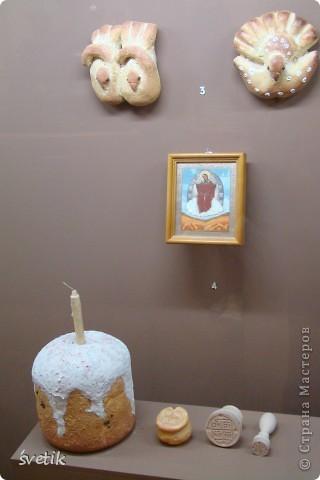Сегодня приглашаю Вас прогуляться с нами по музею хлеба. Музей будет интересен не только взрослым, но и детям. Заходим и видим  такую красоту.  Мельница из знакомых всем хлебобулочных изделий))) фото 17