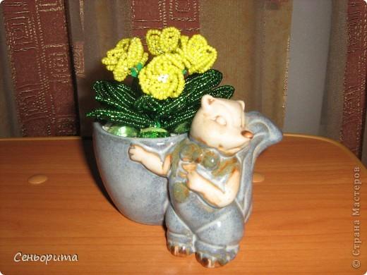 Фиалка из бисера для мамы. фото 4