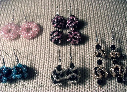 Решила запечатлеть сережки, которые я сплела к кулонам и к другим украшениям. Сама не ношу серьги, т.к. имела неудачный опыт после прокалывания мочек фото 5
