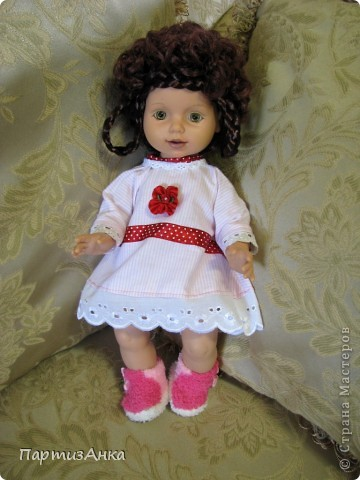 """Привет, Страна! Знакомая-логопед слёзно просила привести в порядок """"рабочую"""" куклу. Ну, не могу же я отказать?... Когда она мне её принесла, я поняла, что экипировать придётся по полной. Вот такой она ко мне попала. фото 9"""