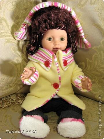 """Привет, Страна! Знакомая-логопед слёзно просила привести в порядок """"рабочую"""" куклу. Ну, не могу же я отказать?... Когда она мне её принесла, я поняла, что экипировать придётся по полной. Вот такой она ко мне попала. фото 16"""