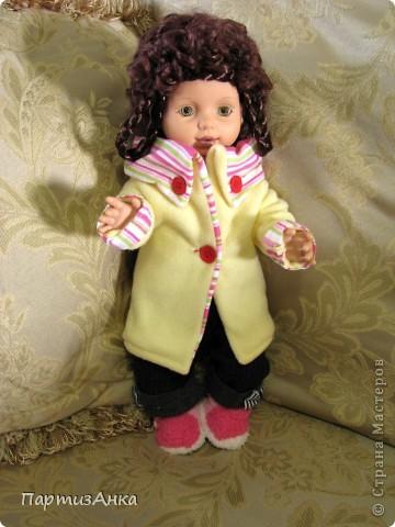 """Привет, Страна! Знакомая-логопед слёзно просила привести в порядок """"рабочую"""" куклу. Ну, не могу же я отказать?... Когда она мне её принесла, я поняла, что экипировать придётся по полной. Вот такой она ко мне попала. фото 14"""