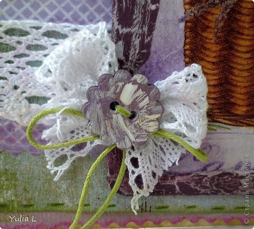 Сегодня я к вам с комплектом в духе французского Прованса.  Прованс – это уютный, чуть наивный стиль в духе французской деревни с цветом лаванды, домашних сливок, ярко-голубого неба, зеленых лугов и ласкового солнца. Началось все с открытки, с которой хочу поучаствовать в задании от блога IDEA-SIB http://idea-sib.blogspot.com/2011/09/22.html  В открытке присутствует кружево, поэтому попытаю счастья в экспресс-задании от Хомячок Challenge http://homyachok-scrap-challenge.blogspot.com/2011/09/blog-post_23.html Дальше - больше, захотелось продолжить, уж очень нравится мне эта цветовая гамма и стиль французского кантри, поэтому получилось лавандово-кружевное трио. фото 4