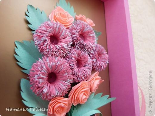 Во вторник отмечается День воспитателя.Для садиков моих дочек мы приготовили вот такие подарки в виде открыток-коробочек с букетиками цветов. фото 16