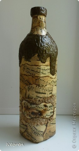 Бутылка с нотами. Декупаж. фото 1
