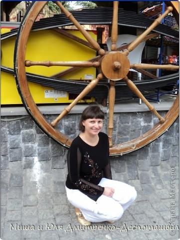 Заключительная часть нашего фоторепортажа посвященного прогулке в развлекательном парке Бомбора! Это колесо часть декорации одного из ресторанов. фото 1