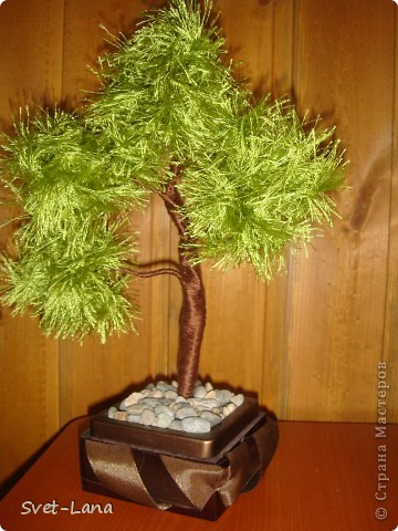 Деревце из пряжи