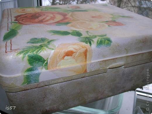 Шкатулка для ниток (декорирование коробки из-под чая) фото 14