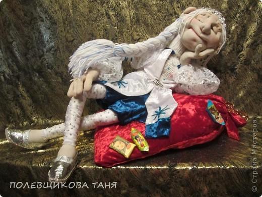 """Авторская кукла """"СНЕГУРОЧКА-1 ЯНВАРЯ 6 ЧАСОВ УТРА""""(Скульптурный текстиль) фото 3"""
