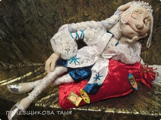 """Авторская кукла """"СНЕГУРОЧКА-1 ЯНВАРЯ 6 ЧАСОВ УТРА""""(Скульптурный текстиль) фото 2"""