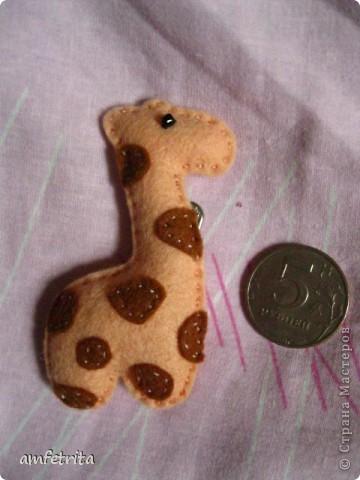Жирафик-брошь из префельта. фото 1