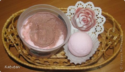 Набор Снежная роза (мягкий скраб, мыло, бомбочка) фото 1