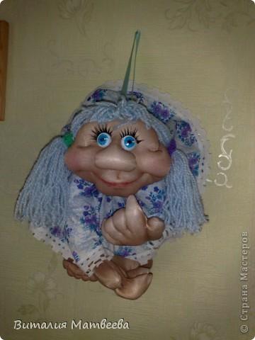 Всем доброго времени суток! Посетив наш сайт моя мама загорелась сделать куклу на удачу. Вот какая миленькая она получилася.  фото 1