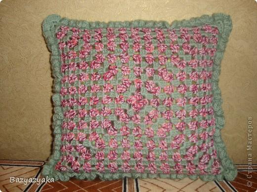 Моя первая вязаная подушка!