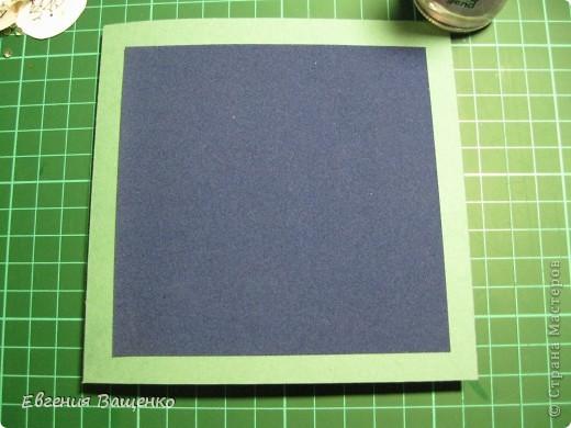 Новый год, конечно, не завтра, но готовиться к нему я уже начала =) Сделала открытку и подумала, что кому-нибудь может пригодиться моя идея. Выкладываю на ваш суд свой мастер-класс.  Итак, нам понадобится: 1 лист голубой бумаги для пастели, 1 лист синей бархатной бумаги, клей ПВА, клей Момент, белая краска или штрих, поролон (я взяла в коробке из-под обуви), 3 пакетика с впитывающими влагу шариками (взяла там же), но можно заменить на бисер, фломастеры, ластик и хорошее настроение =) фото 21