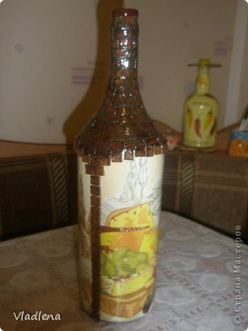 Доброй ночи всем! Я опять с бутылочками. На этой использовала мотив салфетки, упаковочную бумагу, шпагат, ракушки. фото 5