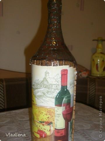 Доброй ночи всем! Я опять с бутылочками. На этой использовала мотив салфетки, упаковочную бумагу, шпагат, ракушки. фото 7