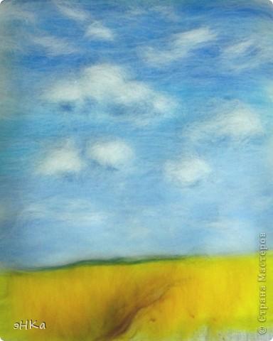 Эта картина может служить интересным подарком, при этом на создание требуется немного времени и средств. Сюжет - бескрайнее русское пшеничное поле и летнее небо над ним.  Размер работы 18х24 см. фото 9