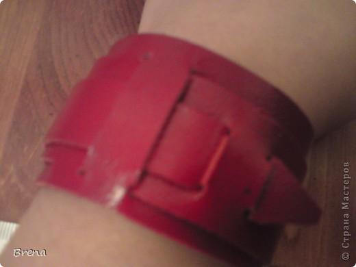 качество фоток не очень, потому что сделаны глубокой ночью и с телефона. эти браслетики мне вырезал муж, все очень просто и, как оказалось оригинально и со вкусом. Теперь ношу идею сережек таких. фото 2