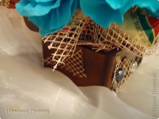 Решила попробывать зделать букетик из гофрированой бумаги маме на ДР.Зделала давно но все руки не доходили вылолжить. фото 9