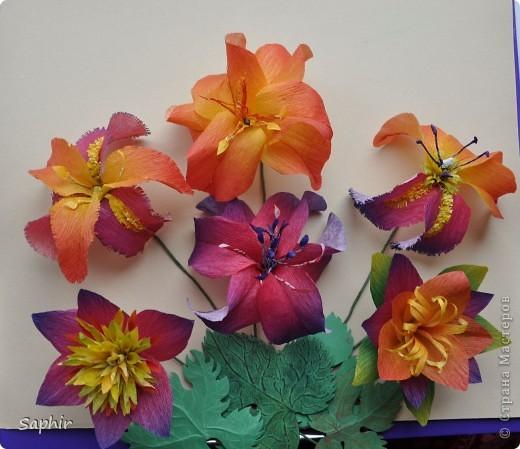 Сегодня сделались вот такие цветочки. Всё началось с того, что у меня появилась гофробумага, да не простая, а радужной расцветки.  фото 2