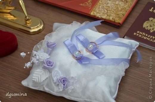 Свадебная бутылочка, бокалы и подушечка для колец. На свадьбу сестричке. фото 8