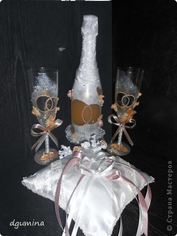 Свадебная бутылочка, бокалы и подушечка для колец. На свадьбу сестричке. фото 1
