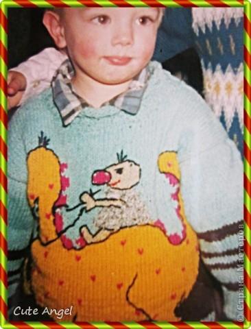 Скоро,скоро год Дракона.В этот год родился мой средний сынок (на фото он 2годика тут) Вот навязала я такие кофточки с дракошами,прада 10 лет назад это было.Но считаю эти рисунки актуальными и предлагаю своим малышам связать забавных дракончиков =) фото 1