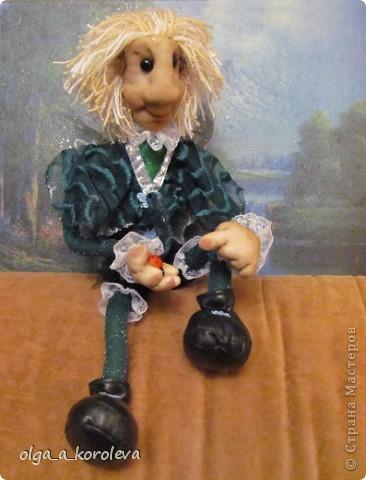 Эта кукла сделана по мотивам эльфа Елены Лаврентьевой. Я попробовала сделать что-то на проволочном каркасе. И вот что получилось. фото 1