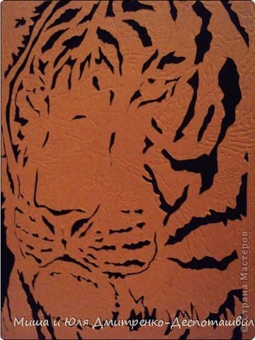 Наши друзья уже знают, что вытынанки это дело Мишиных рук. Сегодня - Его Величество Тигр!  фото 2