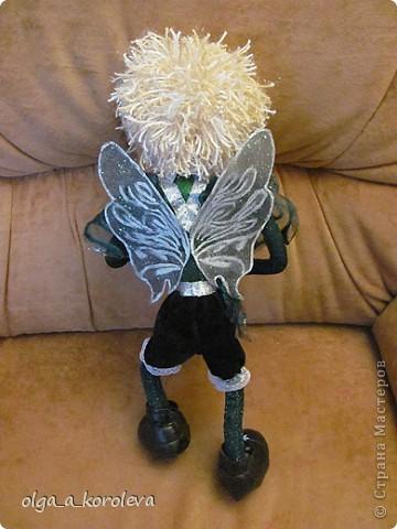 Эта кукла сделана по мотивам эльфа Елены Лаврентьевой. Я попробовала сделать что-то на проволочном каркасе. И вот что получилось. фото 7