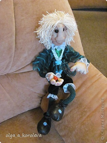 Эта кукла сделана по мотивам эльфа Елены Лаврентьевой. Я попробовала сделать что-то на проволочном каркасе. И вот что получилось. фото 9