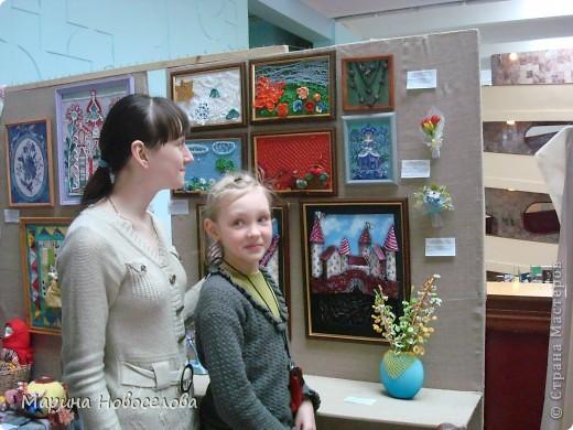 На выставке детского творчества фото 3