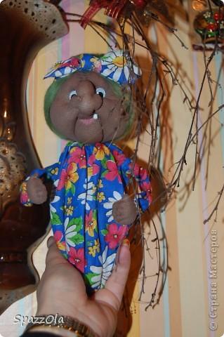 """Сшила за 3 часа. Пришла вчера на каток, села в уголок, стала шить куклу на заказ. Тут подошла мама партнерши и говорит: """"Надо сшить Ягу на конкурс, срочно к понедельнику должно быть все готово! Ступу и избушку буду ваять в выходные на даче. Выручай! Кукла была отложена в сумку, начала шить Ягу, вот что получилось. фото 2"""