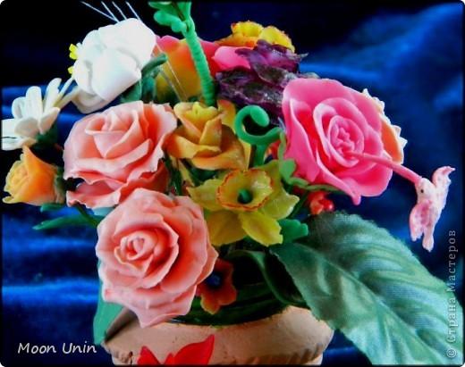 По мере освоения лепки набрались отдельные цветочки, которые я решила собрать в один букет. фото 4