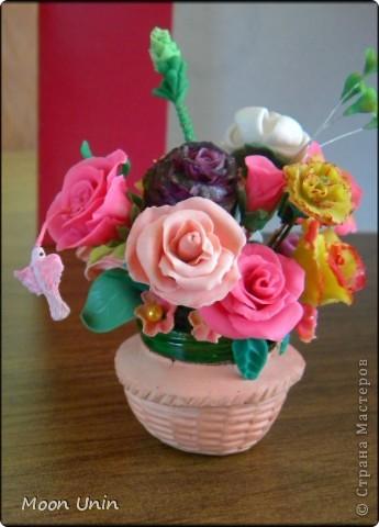 По мере освоения лепки набрались отдельные цветочки, которые я решила собрать в один букет. фото 1