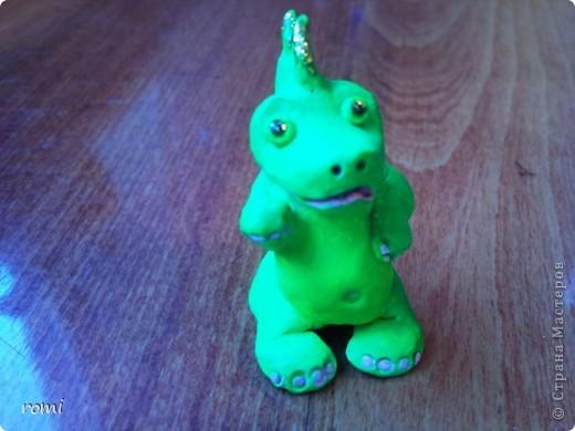 маленький зелененький дракончик (всего 7 см) фото 3
