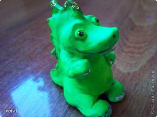 маленький зелененький дракончик (всего 7 см) фото 1