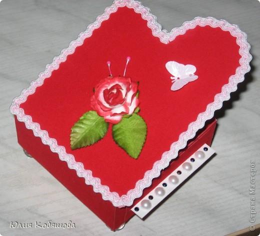 Эту шкатулочку я сделала для учителя игры на фортепиано моей дочки. Сначала для нее планировалась другая коробочка, ее я выкладывала ранее http://stranamasterov.ru/node/243672, затем Дашенька решила, что ту шкатулочку она подарит классному руководителю. И вот именно тогда я решила, что для пианиста эта шкатулка будет как нельзя кстати.  фото 2