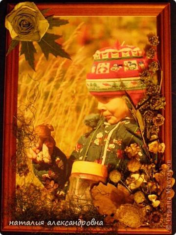 чтобы не портить клеем фотографию, приклеиваем весь флористический материал на стекло клеем ПВА, иногда двусторонним скотчем фото 6
