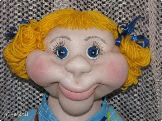 Здравствуй страна! Сегодня доделала куклу Анютку) Делала её воодушевившись Нехочухой Атаманши) Спасибо за идею. Вот такая у меня получилась девчушка. фото 1