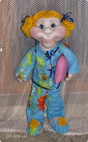 Здравствуй страна! Сегодня доделала куклу Анютку) Делала её воодушевившись Нехочухой Атаманши) Спасибо за идею. Вот такая у меня получилась девчушка. фото 6