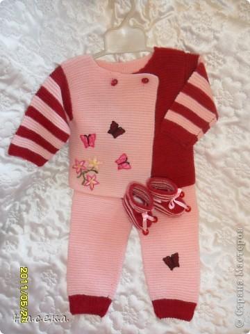 вязаный костюмчик для дочурки