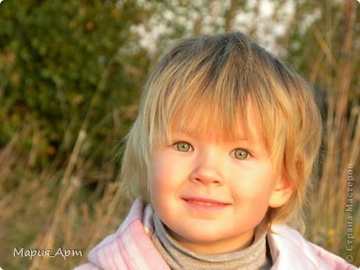 Это мелкое шкодное чудище - моя сестра Тоха) Поверить не могу, что ей уже пять лет! Вроде бы только недавно пеленала, а уже такая больша фото 2